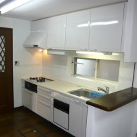 小林邸 『据置式の食洗器をやめてキッチンに組込みました。 作業スペースが広がり使い易くなりました。』