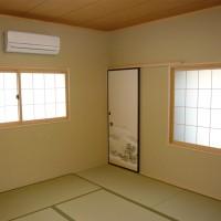 『洋室を和室に改修。 内窓を和障子風にすることでサッシ廻りも和風になりました』